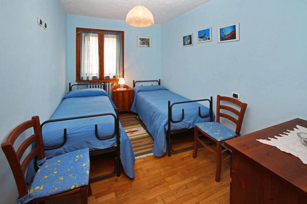 Appartamento Blu camera con due letti singoli